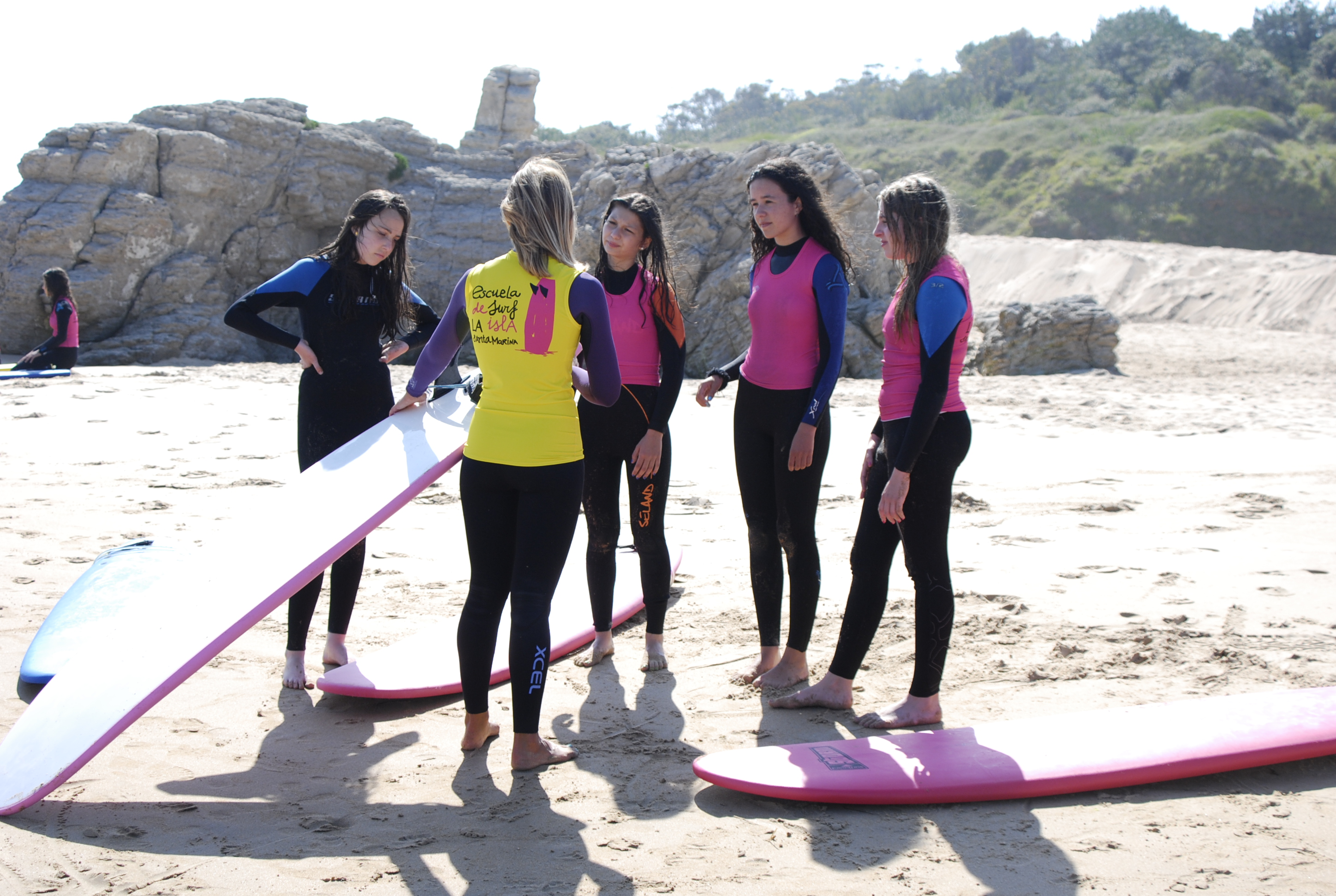 Surfcourses in the Isla Santa Marina Surf School