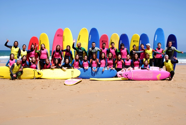 Surf lessons for groups in Cantabria, Surf School in Cantabria