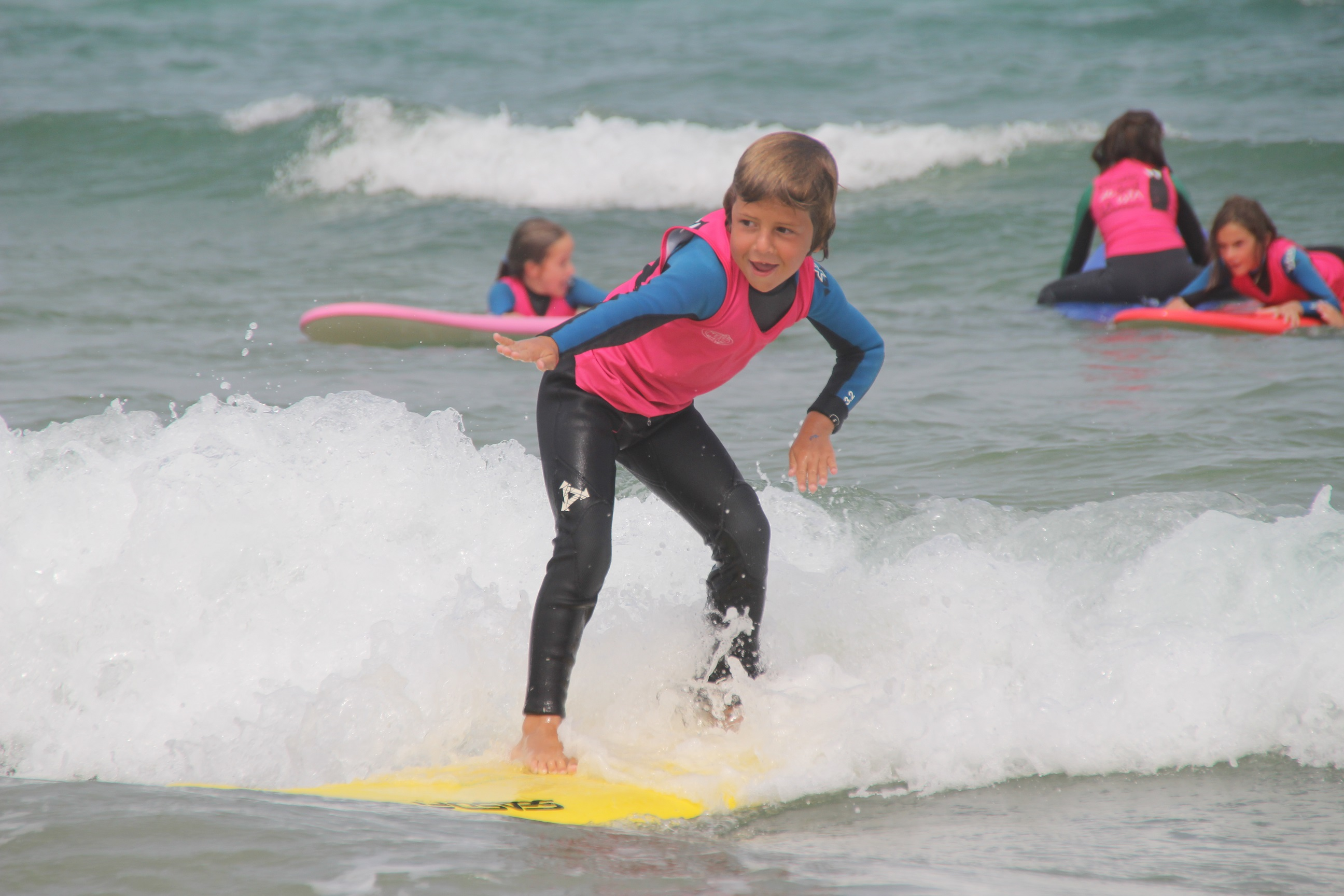 Children surf lessons for children